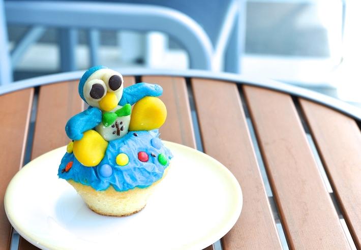 penguin cupcake 2